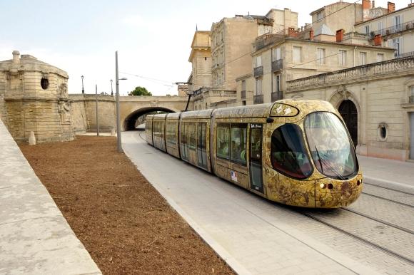 la ligne de 4 de tramway dans le centre historique de Montpellier